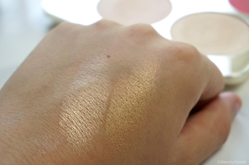 Becca x Jaclyn Hill Champagne Collection highlighter