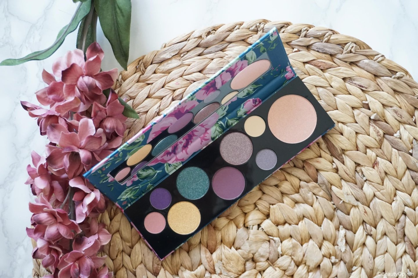 Review Essence Too Glam To Give A Damn Palette