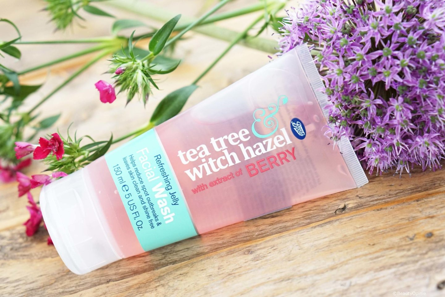 Boots Tea Tree & Witch Hazel Berry Boost Jelly Face Wash
