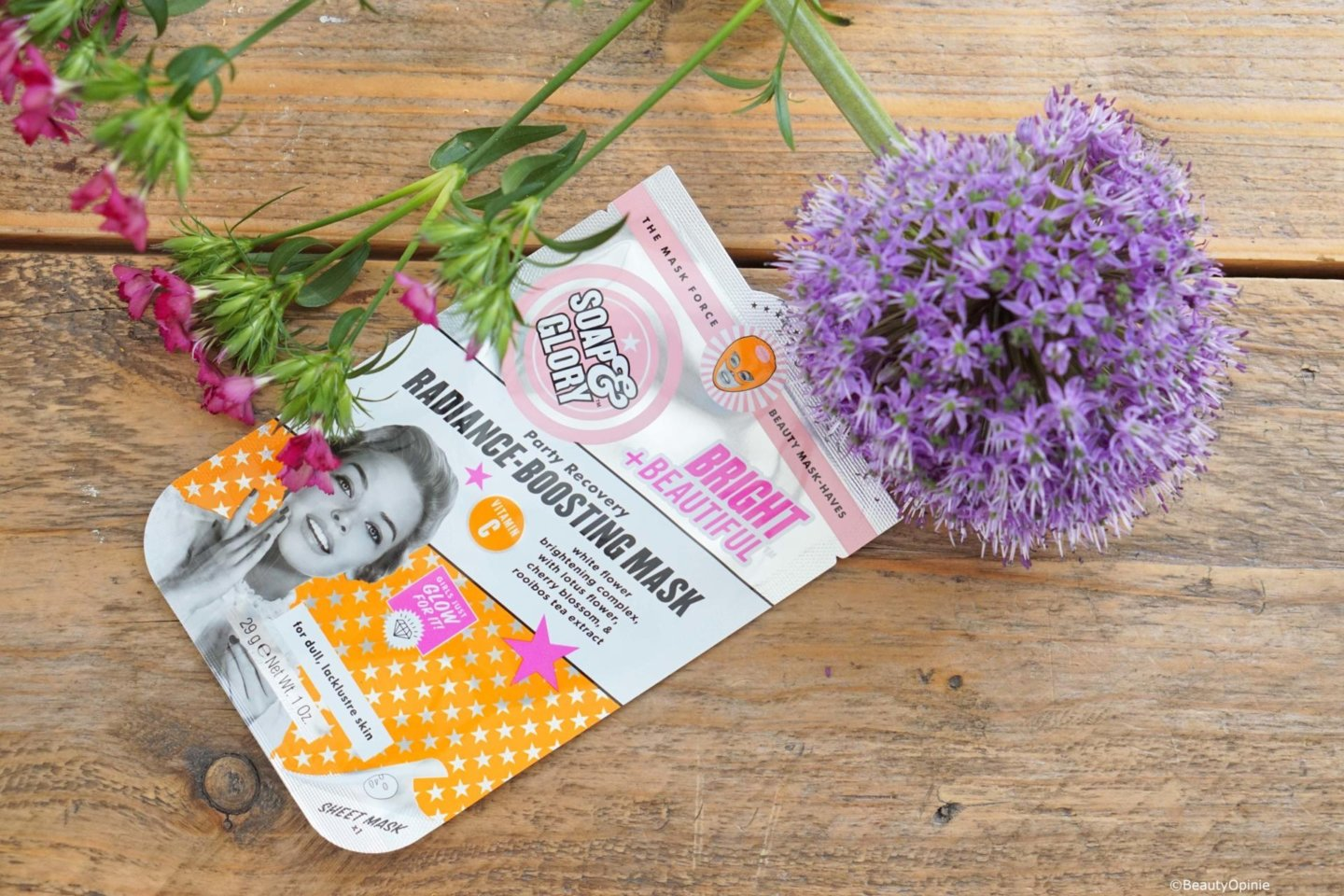 review Bright and Beautiful Radiance Boosting masker