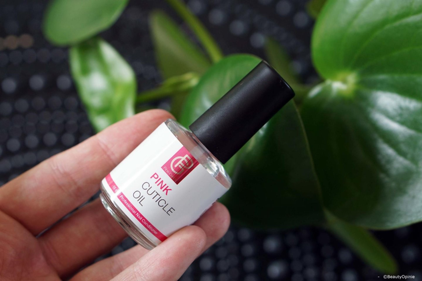 Review Pink Gellac nagelriemolie