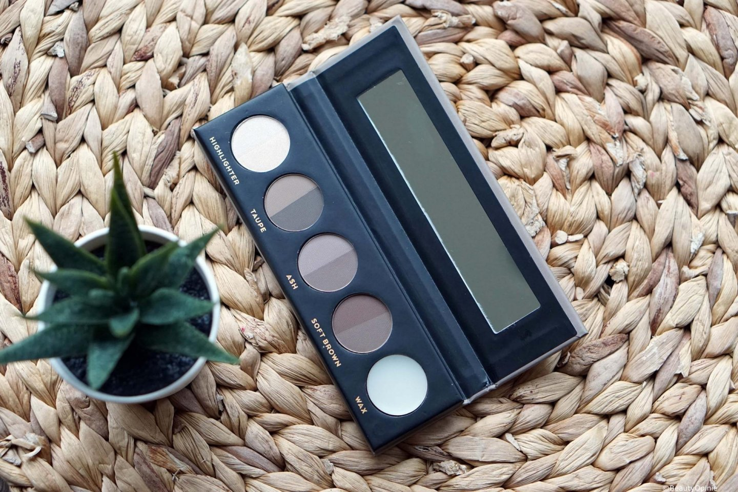 Review Catrice Strong performance professional brow palette