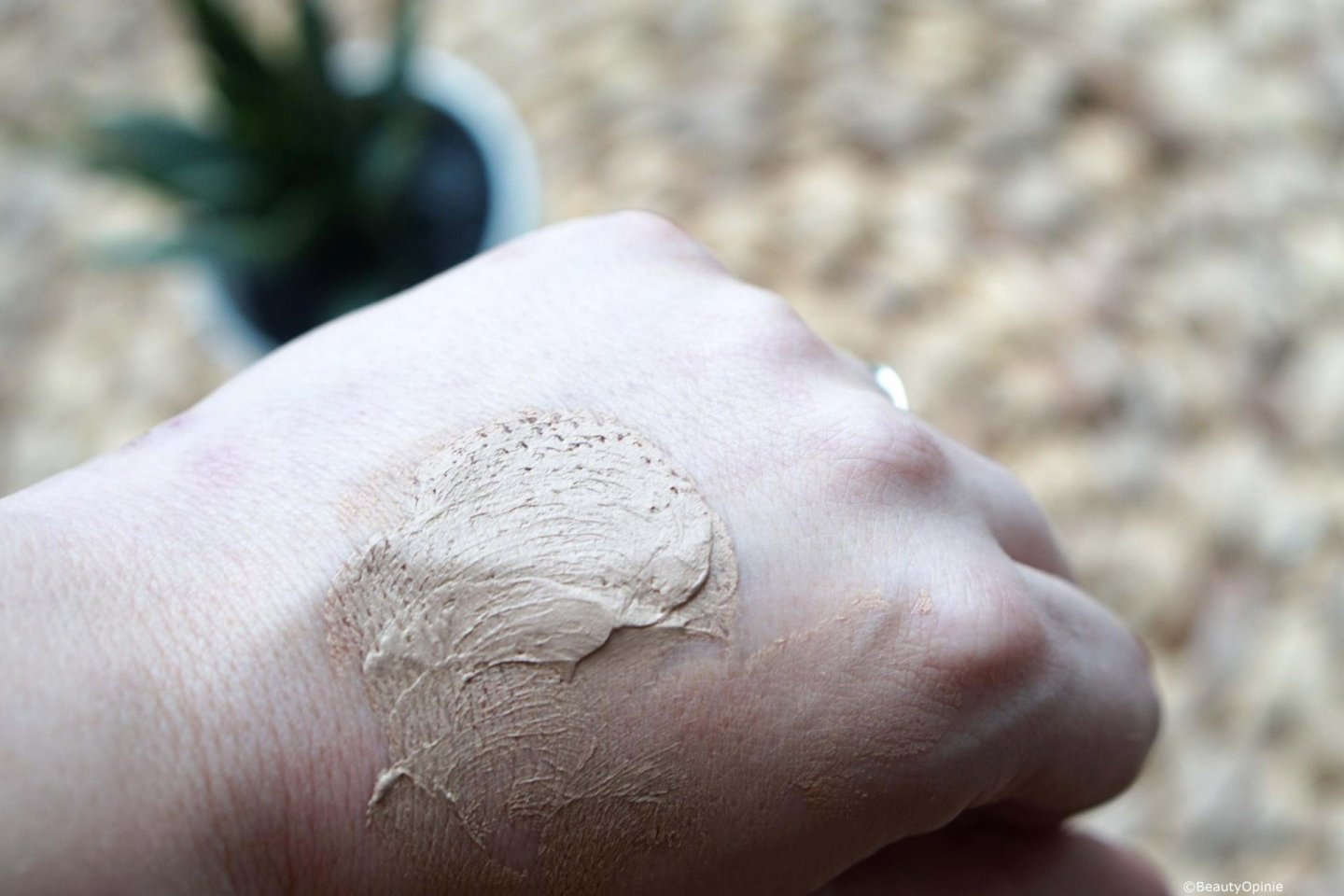 Review-Poreless-perfection-foundation-mousse-Catrice