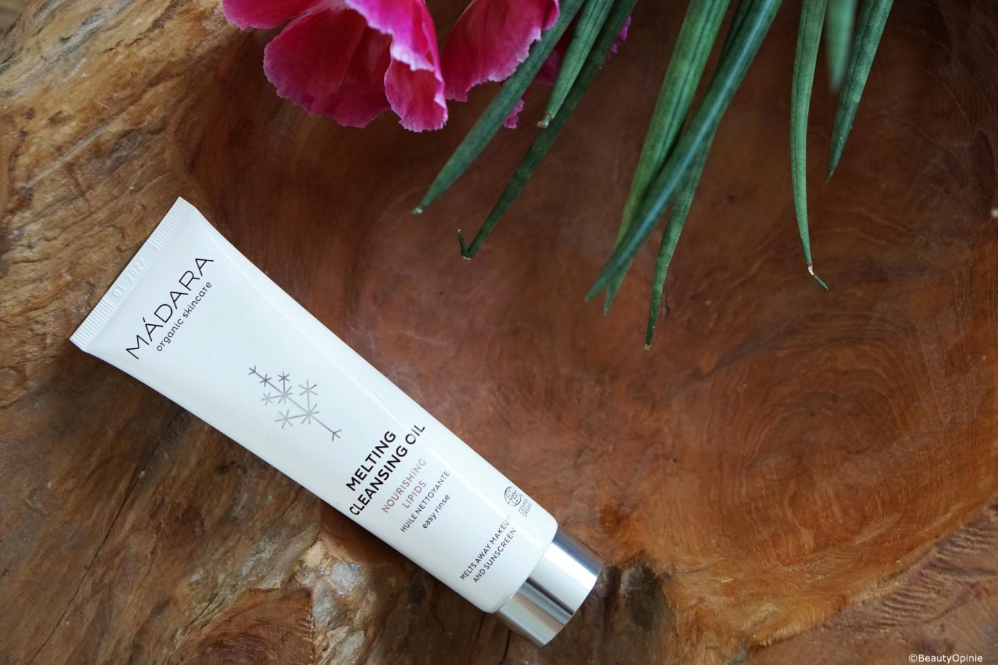MÁDARA Melting Cleansing Oil review