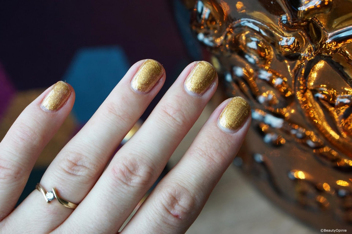 Swatches Pink Gellac 311 Crushed Gold
