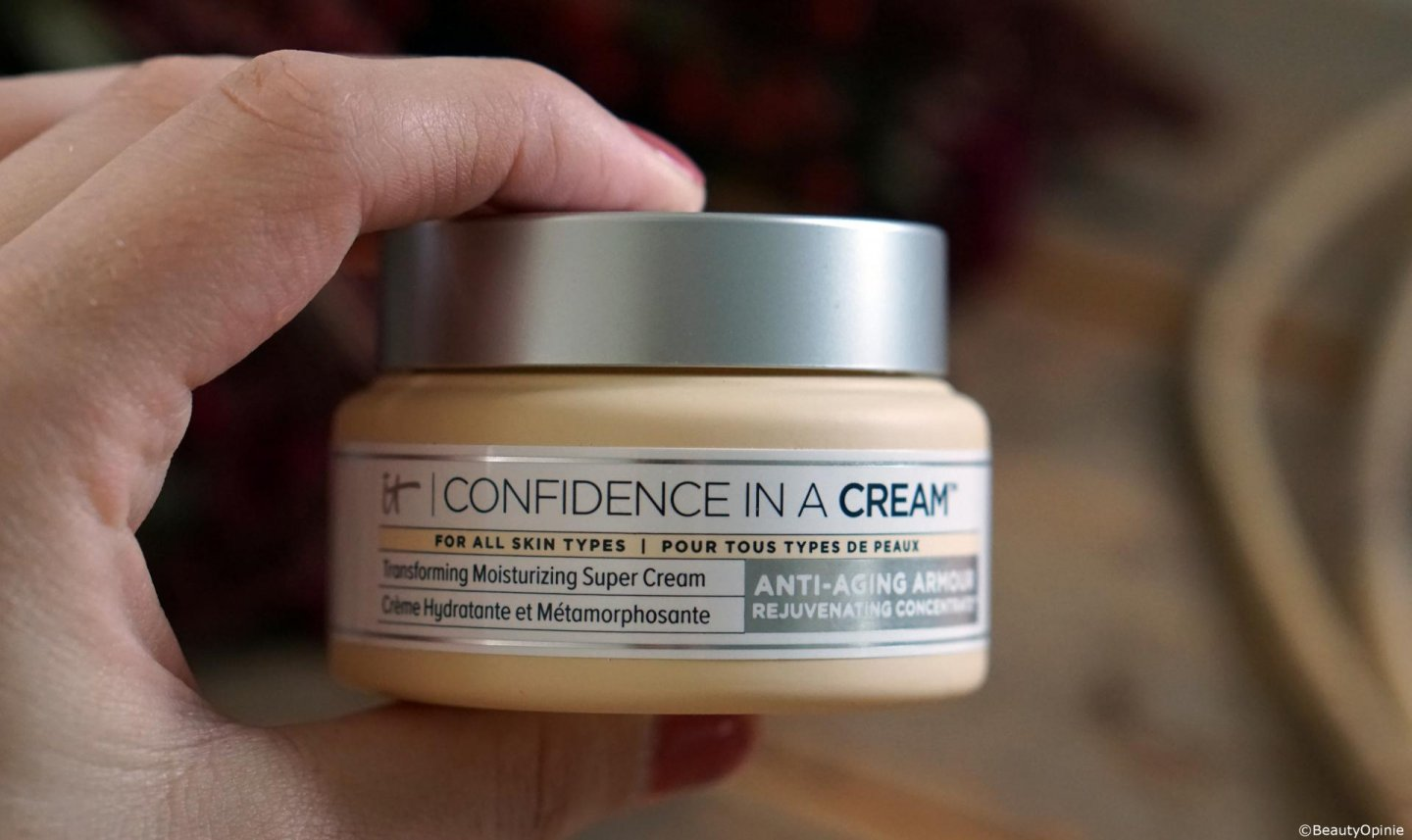 review IT Cosmetics Confidence in a Cream